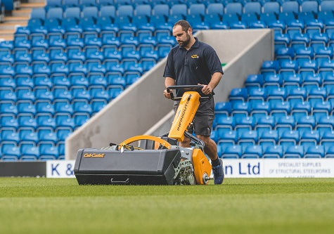 Head groundsman Liam Reynolds using the Infinicut FL. Photo Credit: Tina Jenner Photography